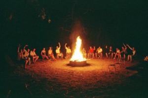 Backpackers enjoying a Kakadu Camping tour